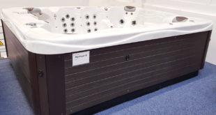 whirlpool f r drau en g nstig kaufen aussenwhirlpool. Black Bedroom Furniture Sets. Home Design Ideas